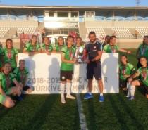 Türkiye Şampiyonu Olan Horozkentspor Bayan Futbol Takımını Tebrik Ederiz