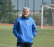 Ali Yalçın : Coşkulu ve Arzulu Futbolu Sahaya Yansıtarak Kazanmak İstiyoruz